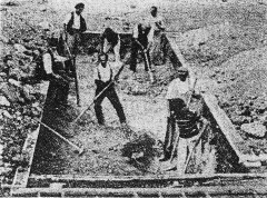 Digging the foundations for houses at Rosenhügell (1921)