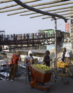 Photo: Dennis Gilbert for the publication 'Working in Warwick: Including Street Traders in Urban Plans'; http://www.workinginwarwick.co.za