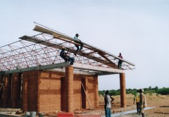 Gando primary school roof construction. Photo: Erik-Jan Ouwerkerk
