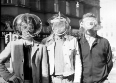 Laurids, Zamp and Pinter with Environment Transformern (Flyhead, Viewatomizer and Drizzler) 1968. Photo: Gert Winkler.