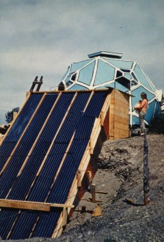 Construction of Drop City's passive solar collector designed by Zomeworks (1967). Photo: Clark Richert